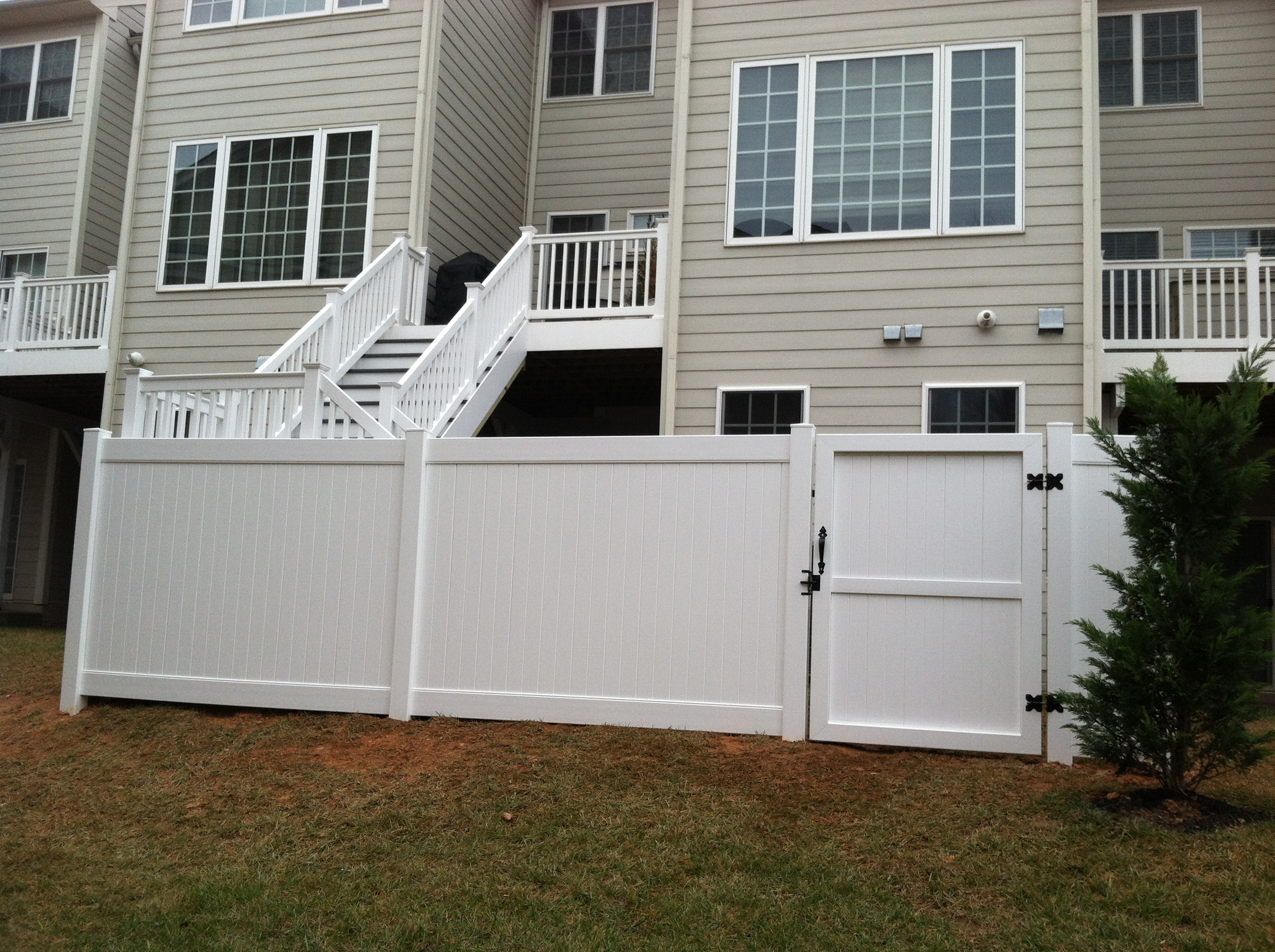 Deck Entry Stairs & Privacy Fence